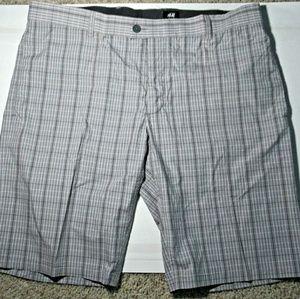 H&M mens size 38R gray shorts new.